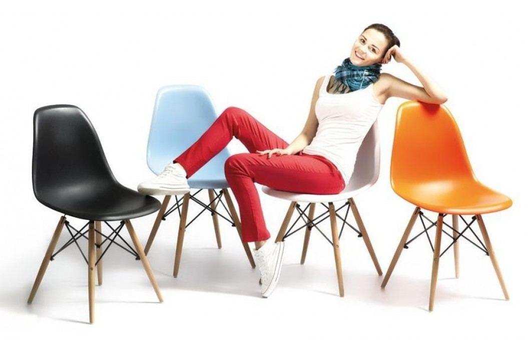 Moderní jídelní židle v ergonomickém tvaru v bílé barvě KN002