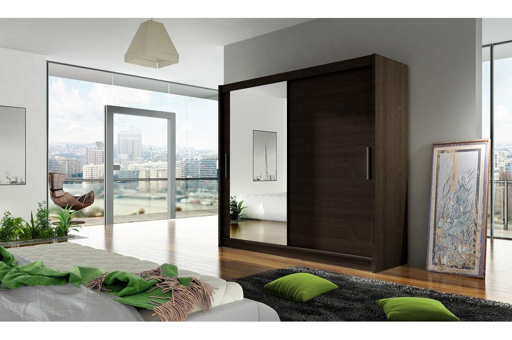 Skříň s posuvnými dveřmi v tmavě hnědé barvě se zrcadlem F1104