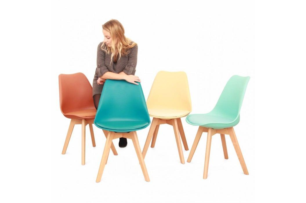 Plastová jídelní židle s dřevěnou podstavou v odstínu vanilky a měkkým sedákem TK191