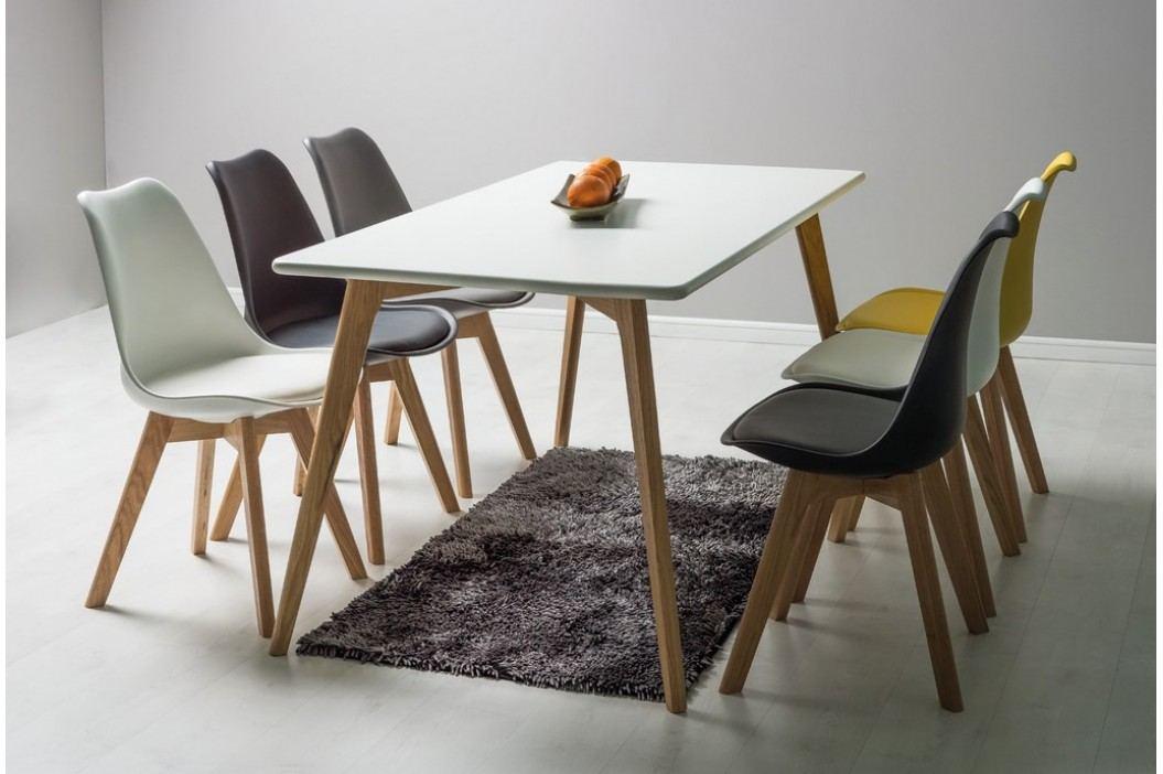 Plastová jídelní židle v černém provedení s bukovými nožičkami KN361