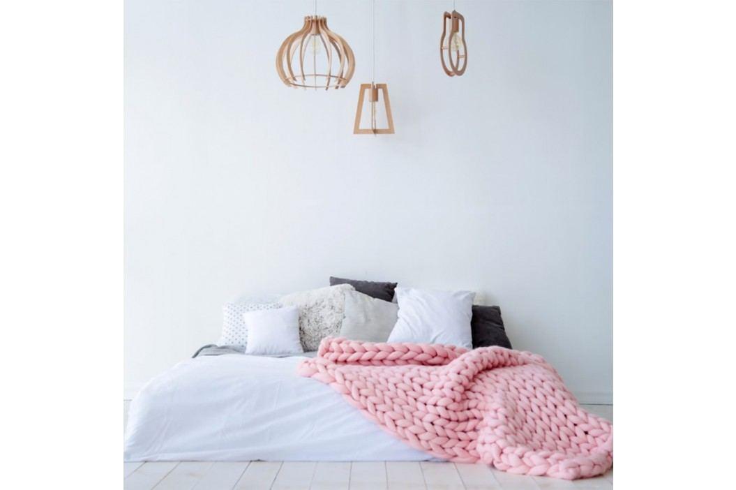 Světle růžová ručně pletená deka z merino vlny Concepttual Chunky, 125x130cm