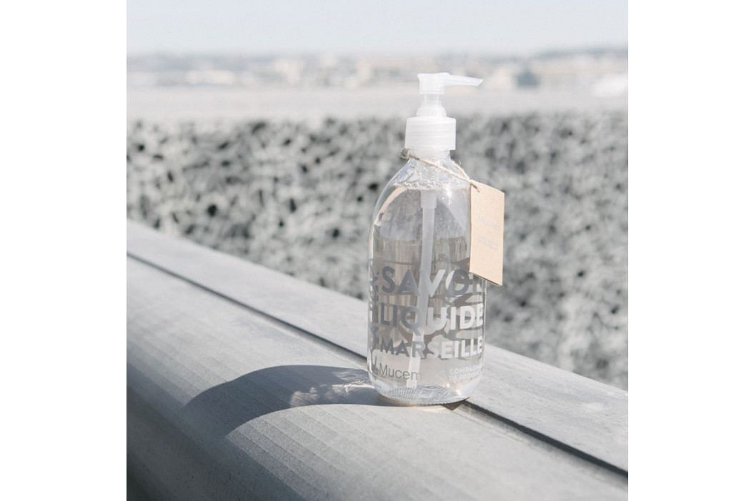 COMPAGNIE DE PROVENCE Tekuté mýdlo Mucem 500ml, čirá barva, sklo obrázek inspirace