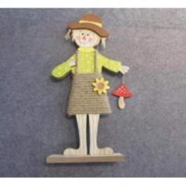 Strašák dívka s houbou na podstavci dřevo