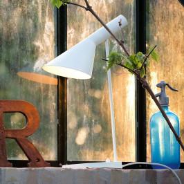 Louis Poulsen AJ - designová stolní lampa
