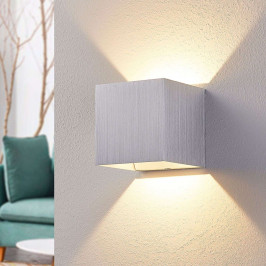 Hliníková LED nástěnná lampa Esma, hranatá
