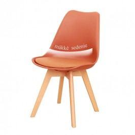 Plastová jídelní židle s dřevěnou podstavou v odstínu koňak a měkkým sedákem TK191