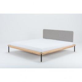 Dvoulůžková postel z dubového dřeva Gazzda Fina Nero, 180 x 200 cm