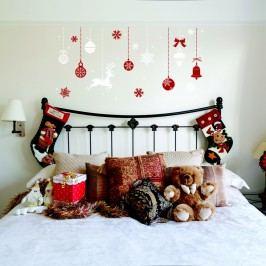 Vánoční samolepka Ambiance Red and White Snowflakes