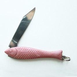 Růžový český nožík rybička v designu od Alexandry Dětinské