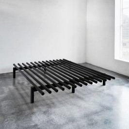 Černý rám postele z borovicového dřeva Karup Pace,160 x 200 cm