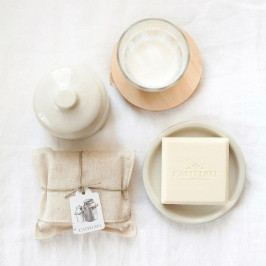 CASTELBEL Luxusní mýdlo s vůní heřmánku a kozím mlékem, přírodní barva, textil