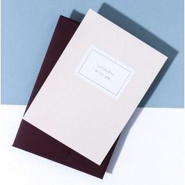 À L'AISE Papírové přání s obálkou Just F*cking Kiss me, růžová barva, papír