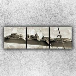 Spící dělníci 1 (75 x 25 cm) -  Třídílný obraz